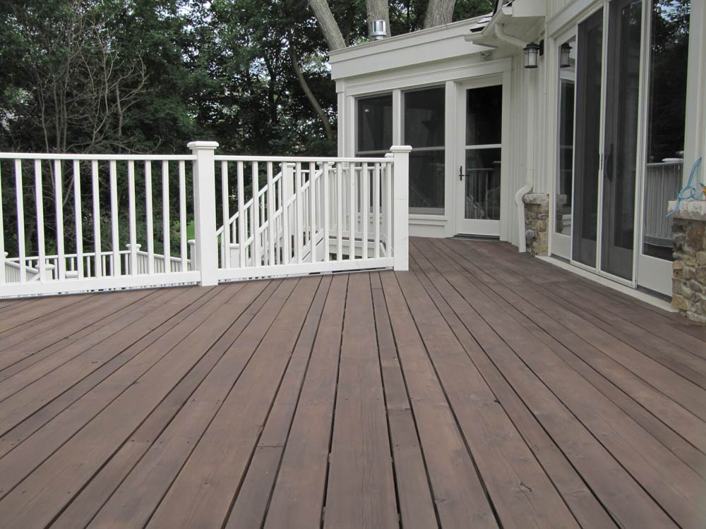 deck-staining-custom-colours